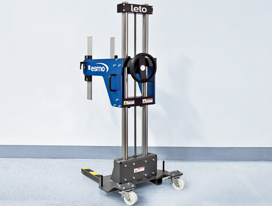 cost-effective, mobile lightweight manipulator